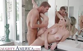 Naughty America Big tit blonde, Kenzie Taylor, showers at neighbor's house and get soaked in cum